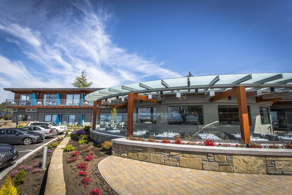 qualicum beach inn.jpg